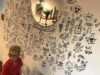 joe whale mural doodle art 3 320x240 - Scarabocchi
