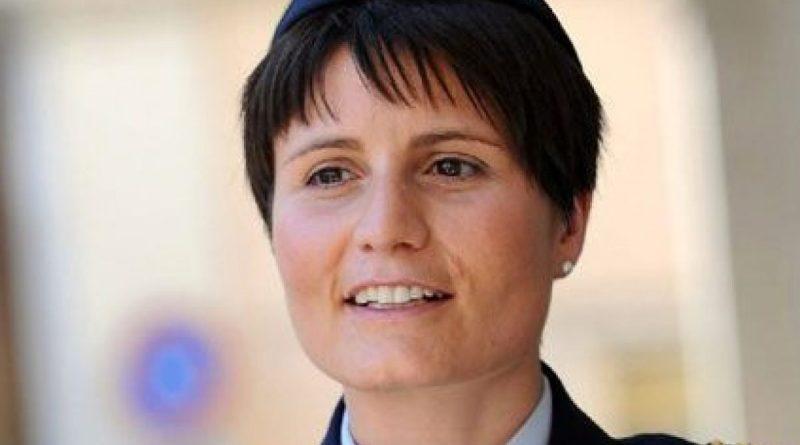 Samantha Cristoforetti, addio Aeronautica Militare