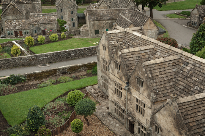 Things to Do in Cotswolds with Kids: Bourton Miniature Village