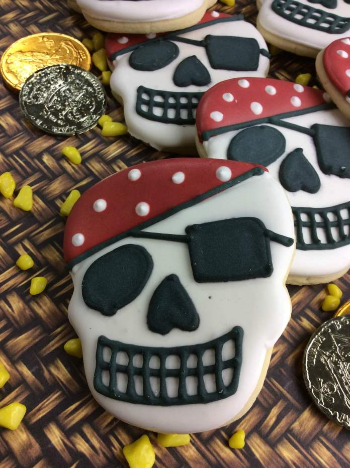 pirate skull 8-1 | Pirate Skull Cookie Recipe for Kids
