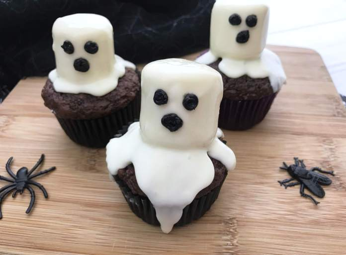 Halloween Party Food For Adults - Marshmallow Finished cupcakes