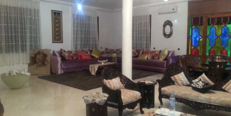 louer villa meublée sur la route de fes marrakech1