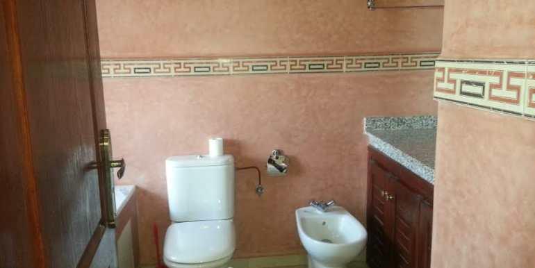 Villa Vide à Vendre sur la route de Fes Marrakech-4