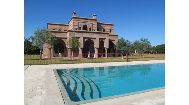 Villa de luxe à vendre au palmeraie marrakech-1