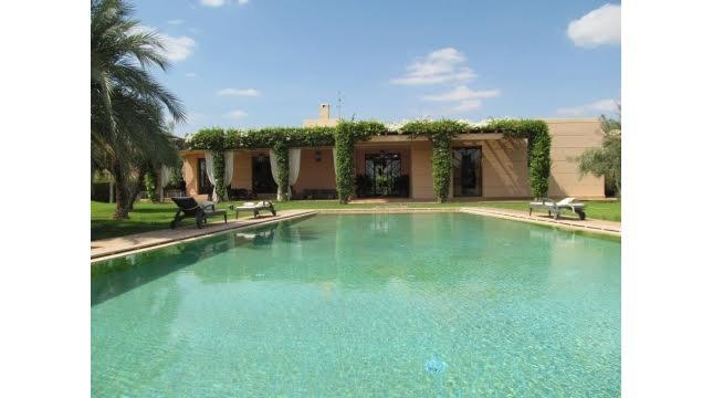 villa à vendre sur domaine amelkis marrakech proche de Golf-1