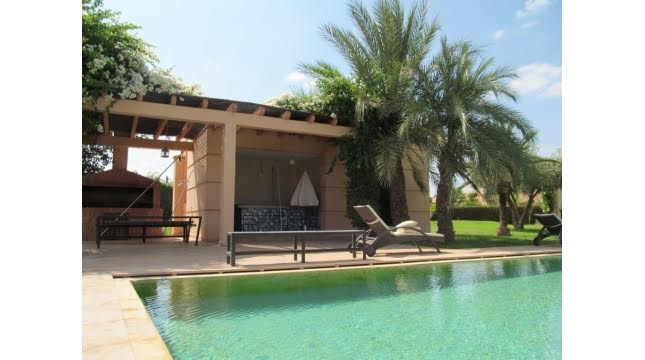villa à vendre sur domaine amelkis marrakech proche de Golf-2