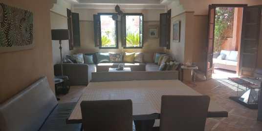 jolie villa sur la palmeraie dans une résidence fermée
