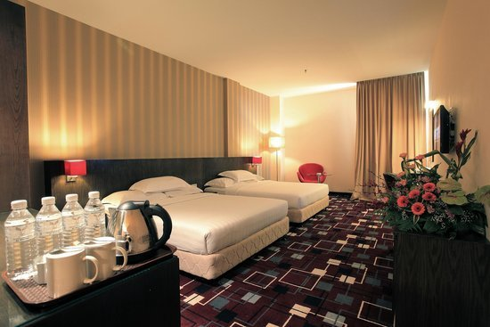 ssl-traders-hotel-family-deluxe-room
