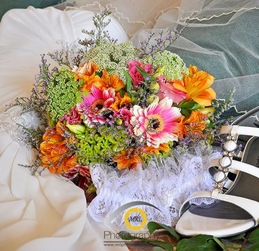 Bride accessories detail