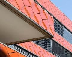 3D-Keramik-Fassade