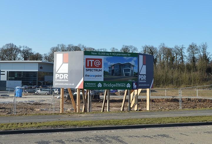 PDR Construction Hoarding Hull