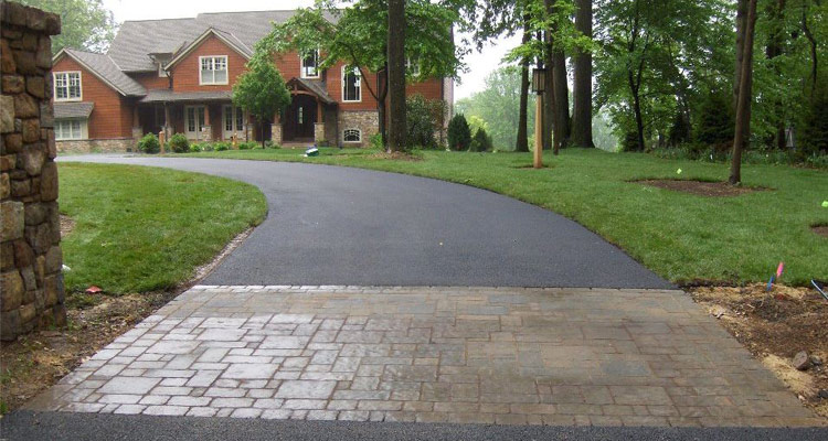 When Is The Best Time For A Driveway Repair Mr Pavement