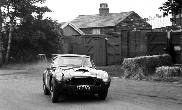 Aston Martin DB4-GT_Continuation