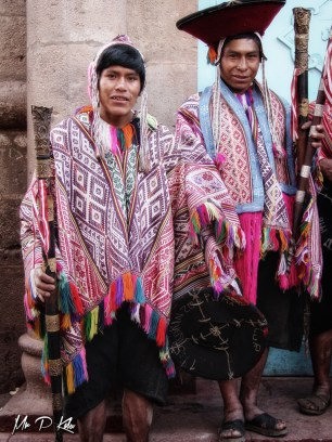 Male-descendants-of-the-Inca-people-in-traditional-dress