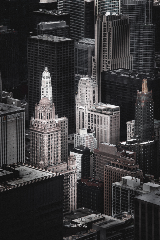 Image of Chicago skyscrapers viewed from the Willis Tower