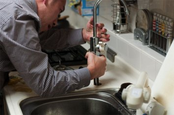 Pros-and-Cons-of-DIY-Plumbing