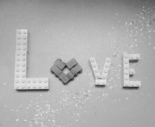 Love-7BLEGO-7D