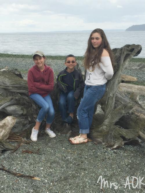 Kids PNW beach