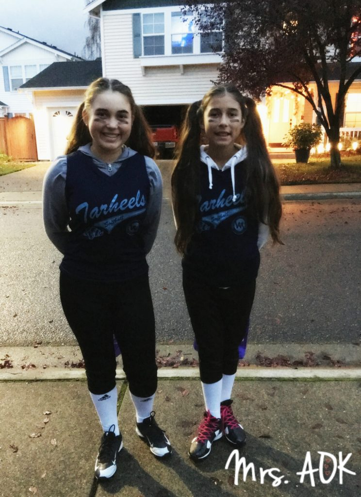 halloween-2016-softball-players