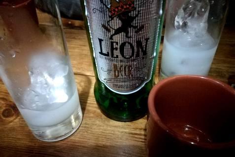 Leon, Hauswein & Ouzo
