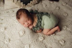 Nyföddfotografering Celine Stockholm-3 3