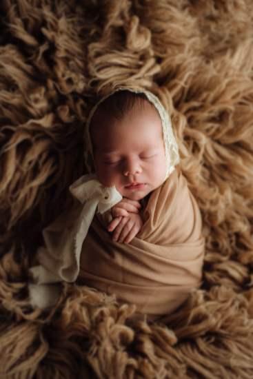 Nyföddfotografering Luna Stockholm