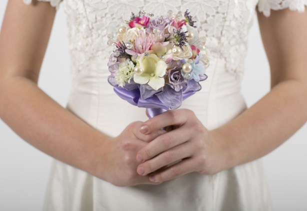 Get-Knotted.net Pink and Purple Bridesmaid Posy from -ú125