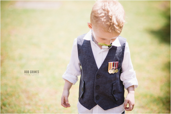 rob grimes photography, sandhurst, little boy with medals
