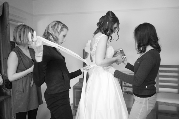 Hayley Ruth Photography, Sturmer Hall, bride getting ready, stephanie allin dress