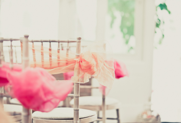 peach and pink chair ties, mark pugh photography
