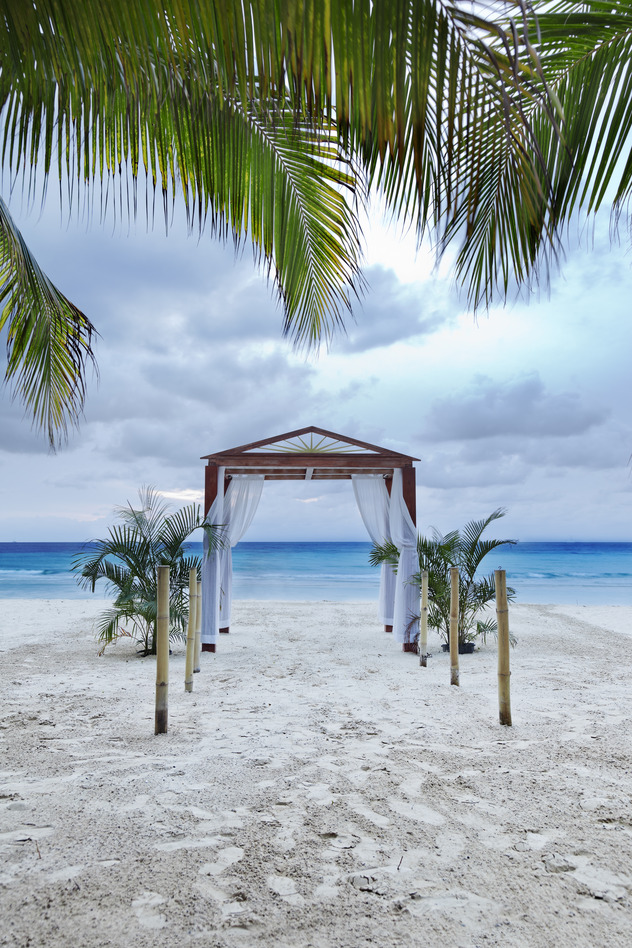 MrsPandPs Sunday Morning Cuppa, (Wedding Blog Catch up), Planning a Destination Wedding. how to make your money go further abroad, Tropical Wedding, compare currency,