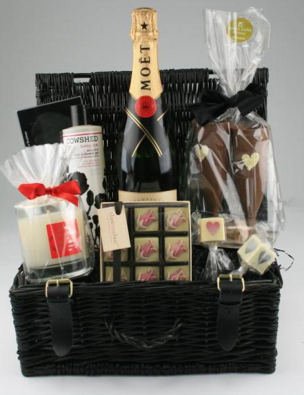 Romance hampers, luxury wedding gifts, beau brides and weddings