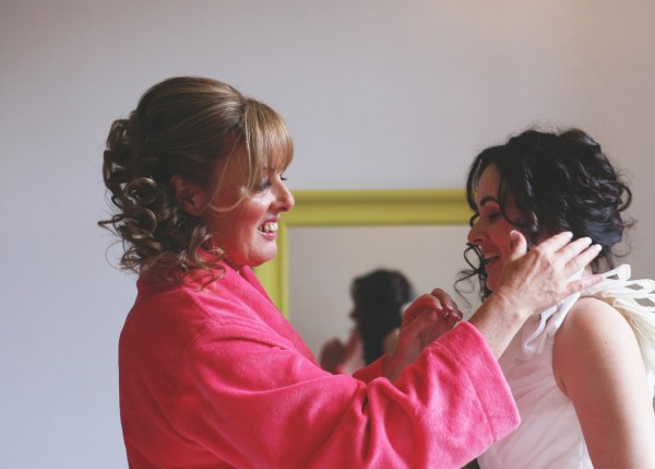 bride getting ready, nicky cooney photo
