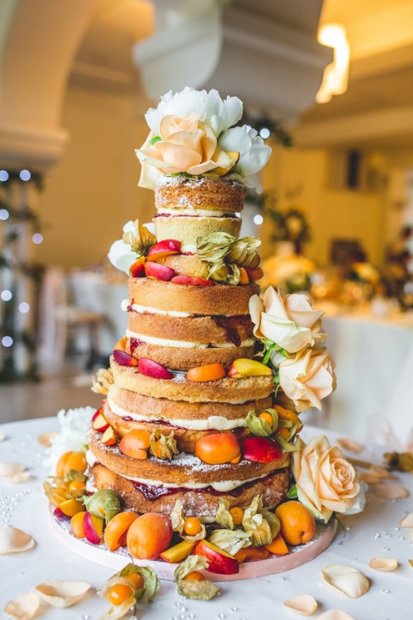 naked-wedding-cake-italian-villa, nick rutter photo