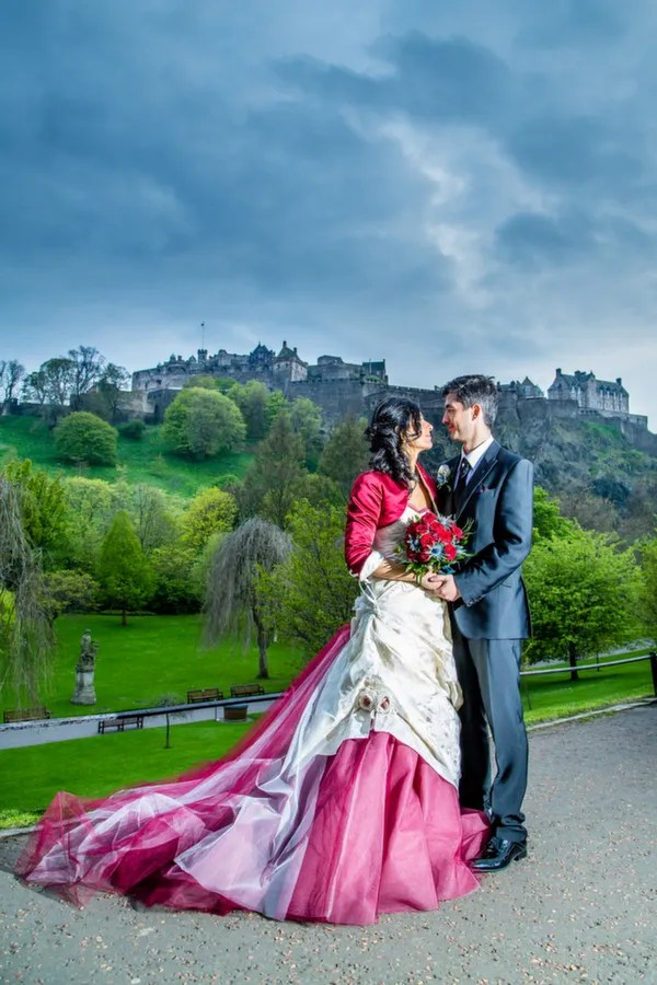 edinburgh wedding, scottish italian wedding, royal mile, princes st gardens, edinburgh castle, alan snelling photography