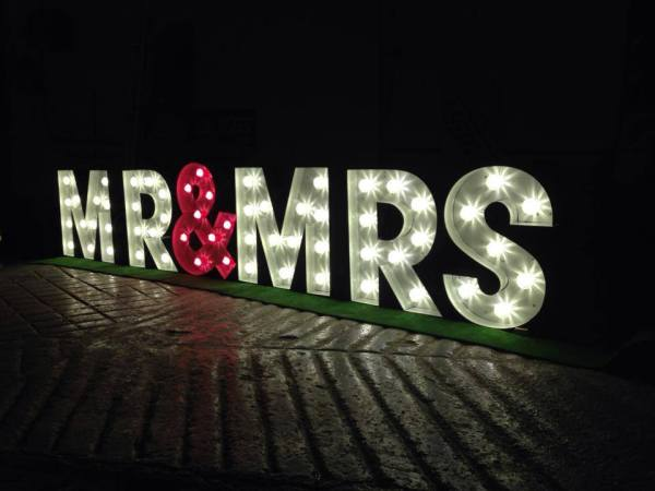 i Love letters, illuminated letters, illuminated numbers, Glasgow, Scotland, weddings and events , photoshoots
