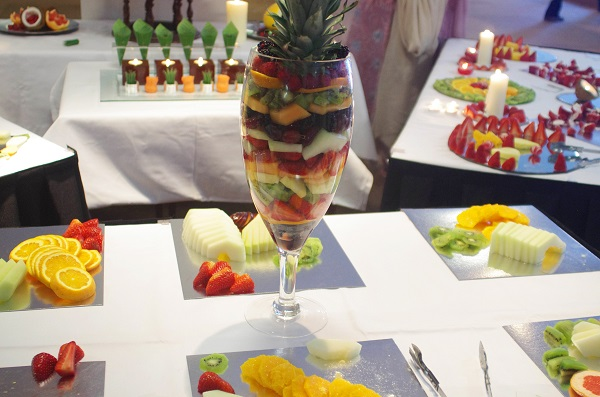 fruit appetisers, Fruit Carvings, Fruit Palm Trees, Chocolate Strawberry Towers, Edible Fruit Bouquets, Strawberry Bouquets, Bride & Groom Gifts fruits carvings scotland, fruit displays scotland, fruit displays glasgow, fruit carvings glasgow