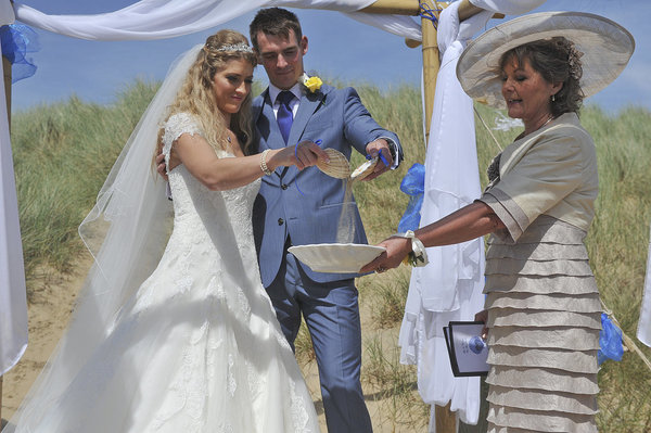 Rich page - Page Creations - Beach Wedding (42)