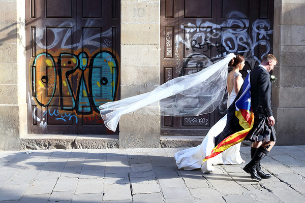 MrsPandPs Sunday Morning Cuppa, Wedding Blog, Blog Catch up, April 19th 2015, Barcelona, barcelona trash the dress shoot, Gaudi Cathedral, groom in kilt, maggie sottero dress, Stuart Craig Photography, Trash the Dress shoot