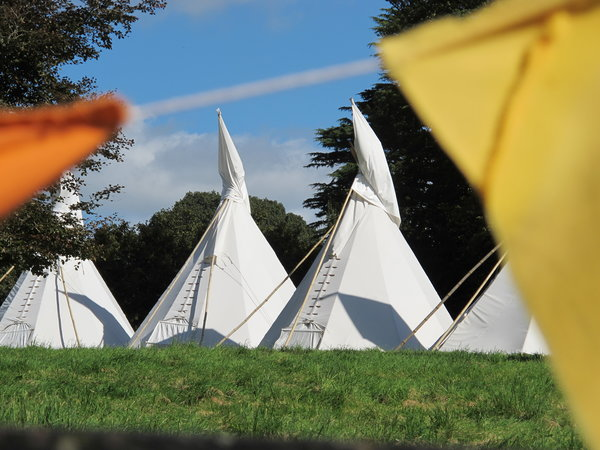 tipis, pennard house, bohemian wedding venue, somerset wedding venue