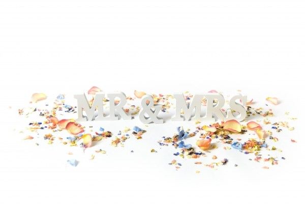 ShropshirePetals.com, Mr and Mrs sign with confetti , colurful confetti, wedding confetti