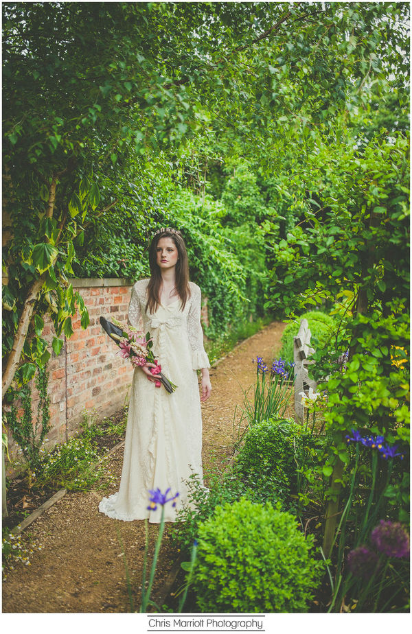 blossom-and-belle-bridal-wear-image-chris-marriot-photography (20)