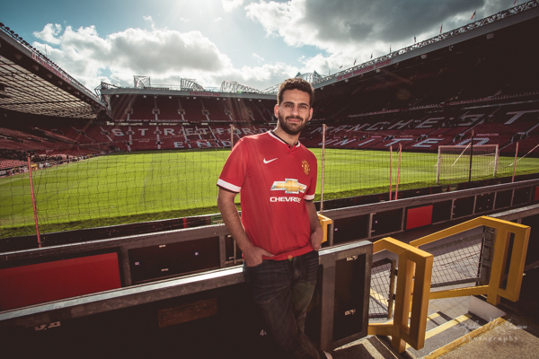 stephen-mcgowan-photography, old-trafford-engagement-shoot, football-inspired-engagement-shoot, manchester-united