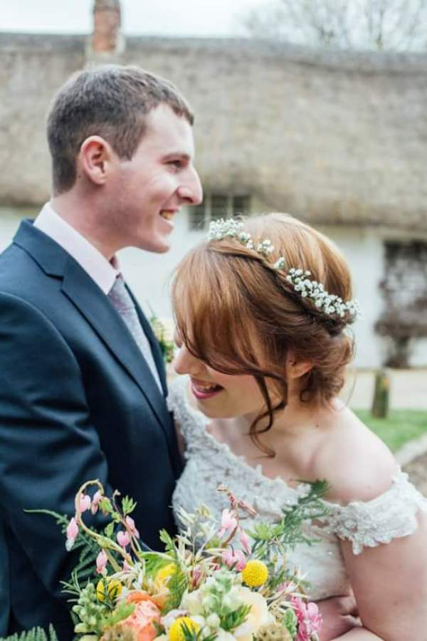 exquisitely-youweddings-and-events-charlotte-bryer-ash-photography-back-garden-wedding-photoshoot-collaborative-shoot-backyard-wedding (15)