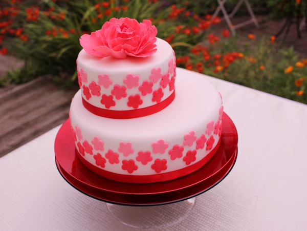 red_peony_ombre_cake, the bristol bake house, vegan wedding cake, gluten free wedding cake