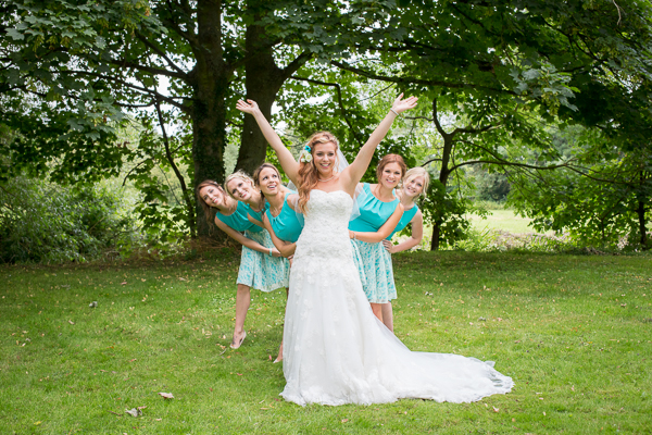 Minna-Rossi-Photography-wedding-photographer-London-festival-theme-wedding-turquoise-blue (89)