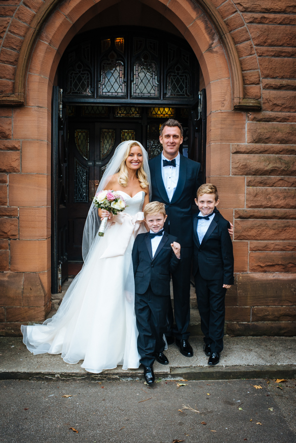 Tommy-Cairns-Photography-Augusta-Jones-Wedding-Dress-Grand-Central-Hotel-Glasgow-Pink-and-Cream-Palette-Glasgow-Wedding (22)