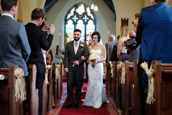 Cris-Lowis-photography-Staffordshire wedding-Mytton-and-Mermaid-pub (15)