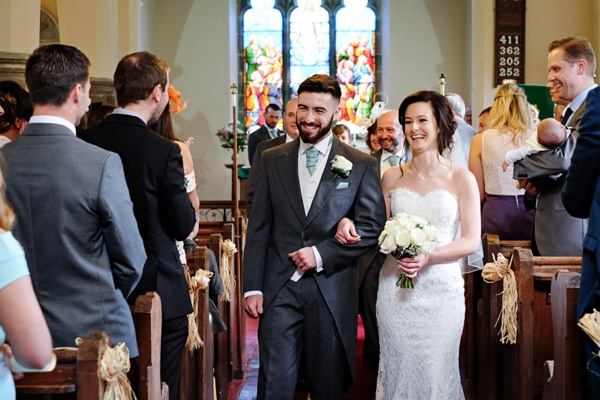 Cris-Lowis-photography-Staffordshire wedding-Mytton-and-Mermaid-pub (16)