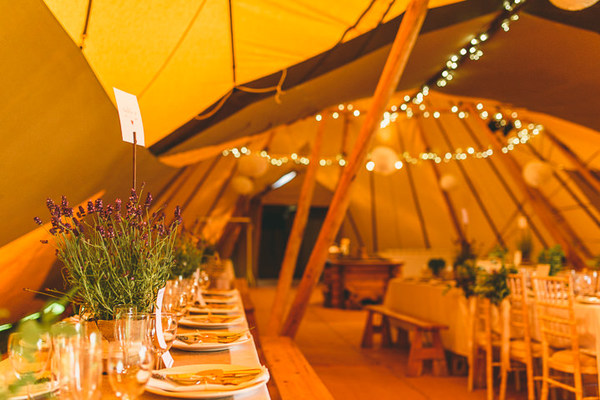 Miki-Photography-Ash-Davenport-garden-wedding-warwickshire-wedding-cotswold-wedding-amanda-wyatt-wedding-dress-tipi-wedding-rustic-details (16)